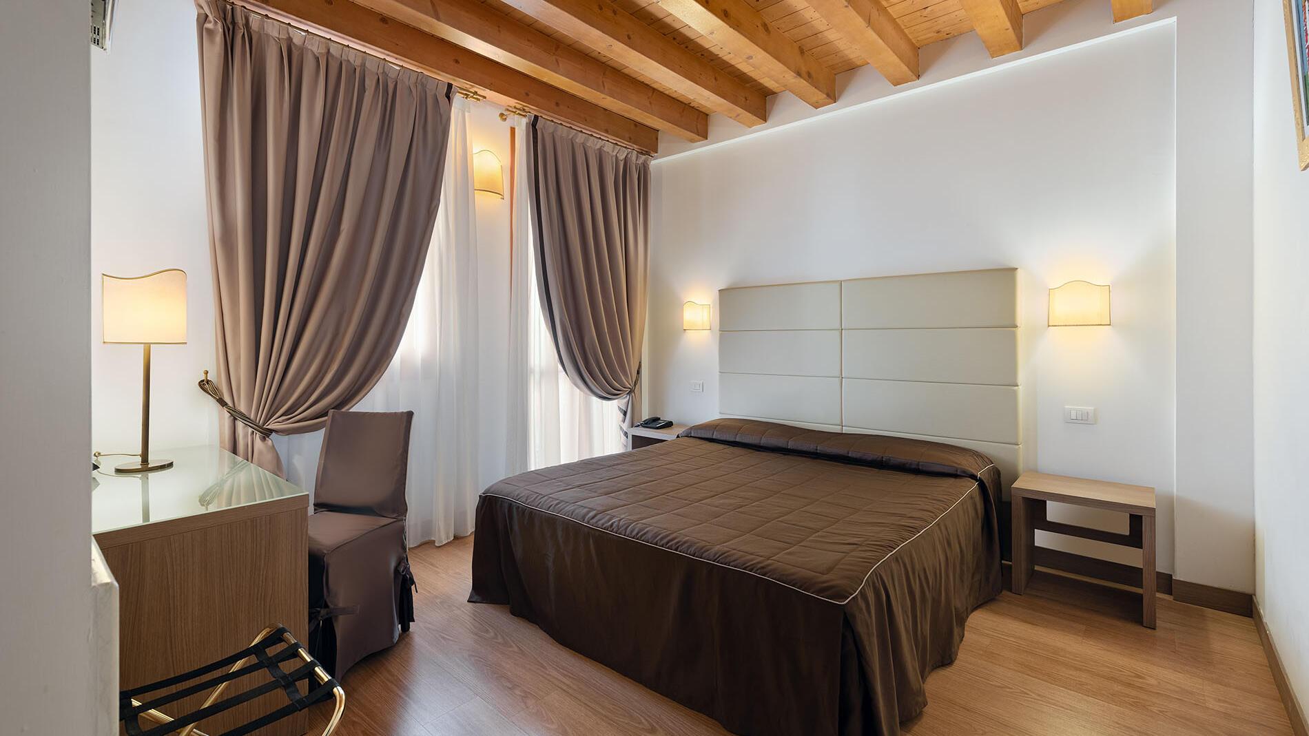 Double Twin Comfort Room