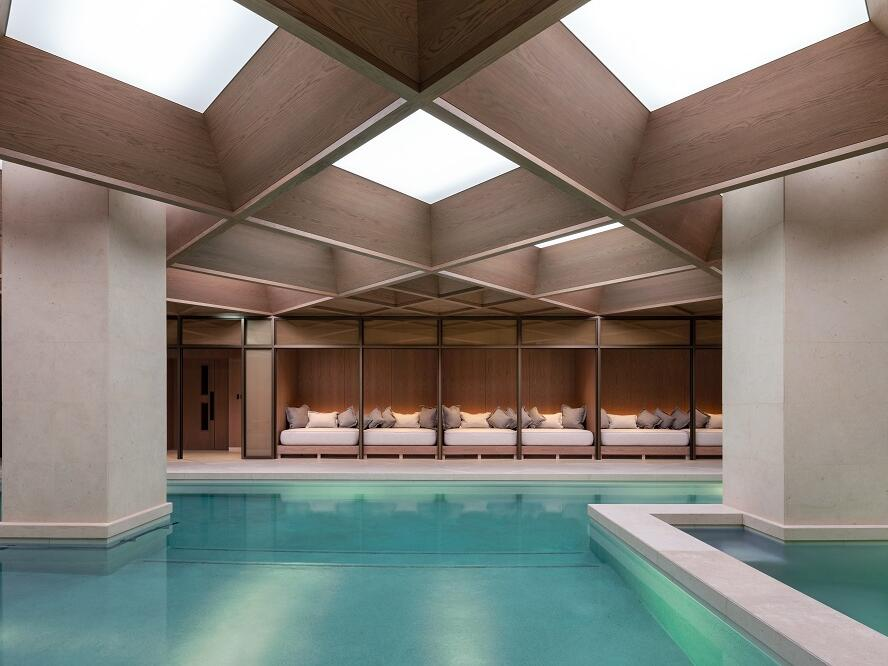 The Londoner Hotel - The Retreat - Swimming Pool