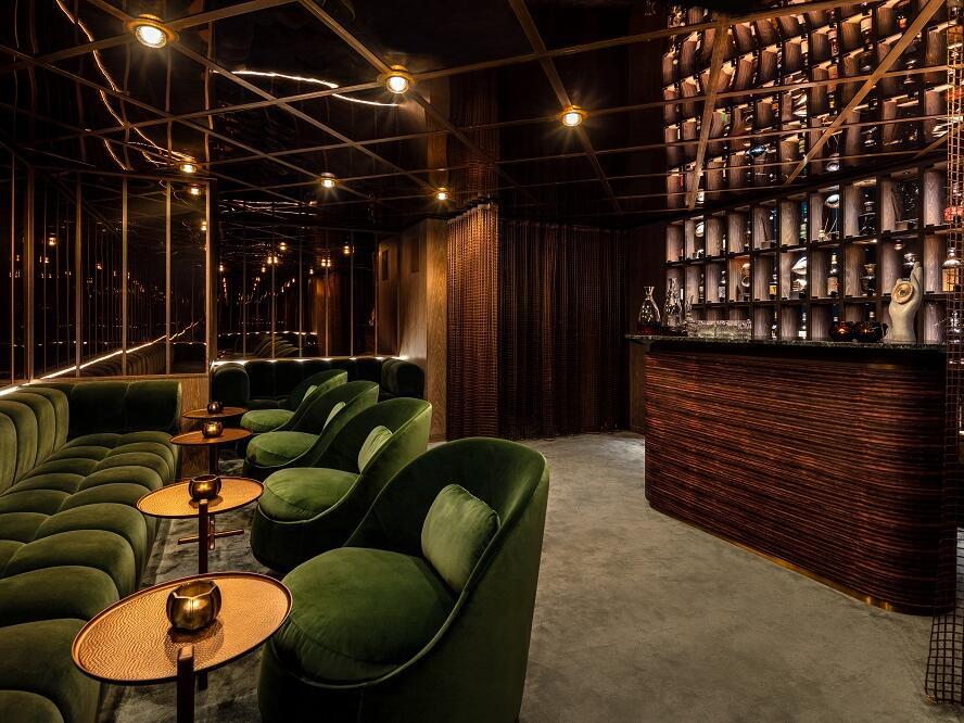 The Londoner Hotel - The Residence - Whisky Room