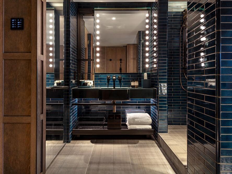 The Londoner Hotel - Bathroom