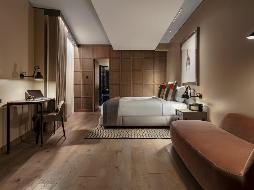 The Londoner Hotel - Corner Suite