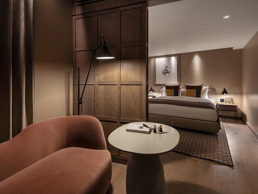 The Londoner Hotel - Junior Suite
