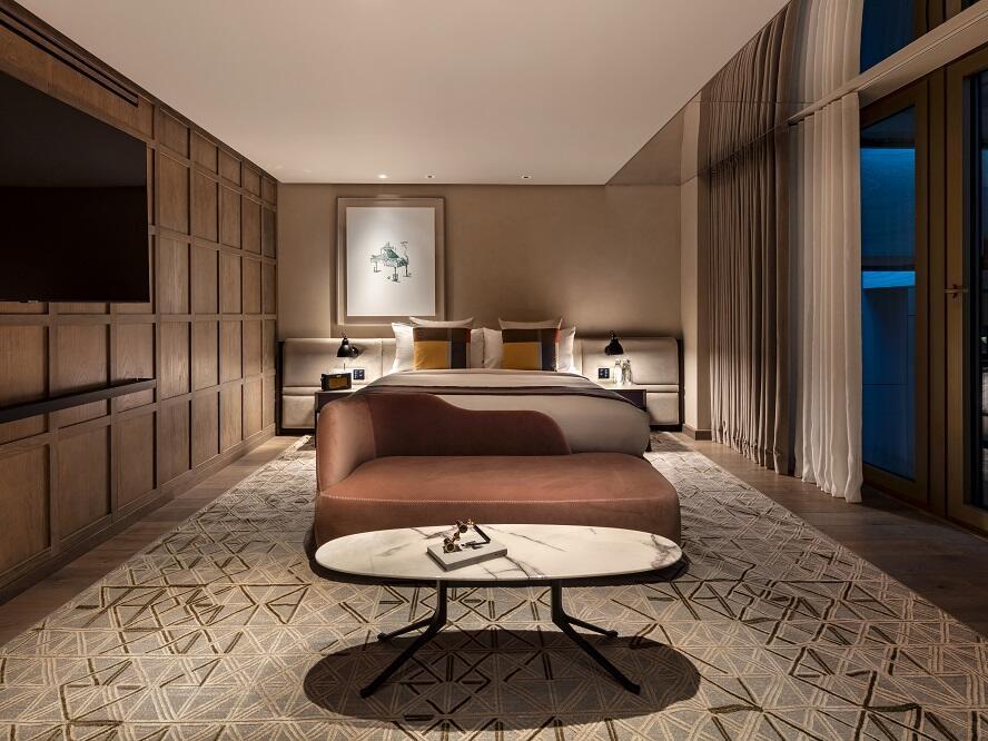 The Londoner Hotel - Signature Suite Bedroom