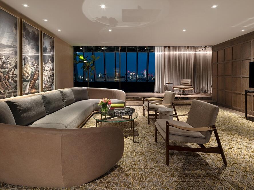 The Londoner Hotel - Signature Suite Lounge