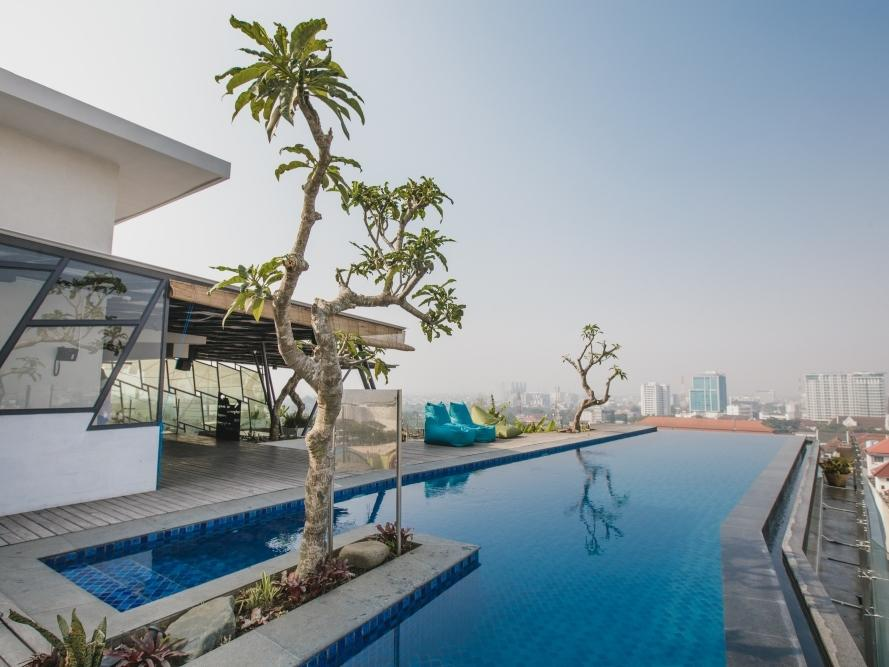 Rooftop Swimming Pool at U Janevalla Bandung