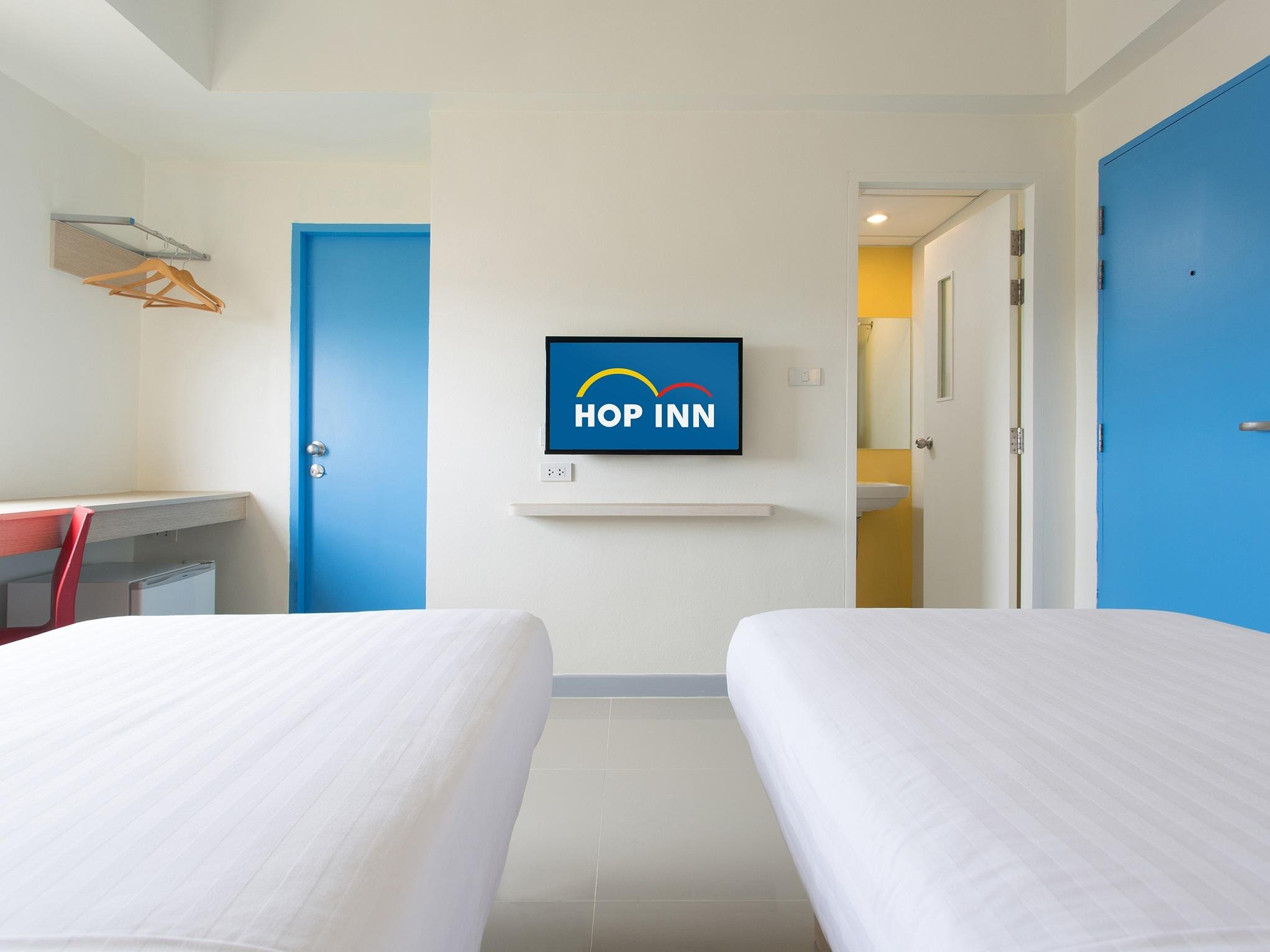 1. TwinRoom at Hop Inn Hotel