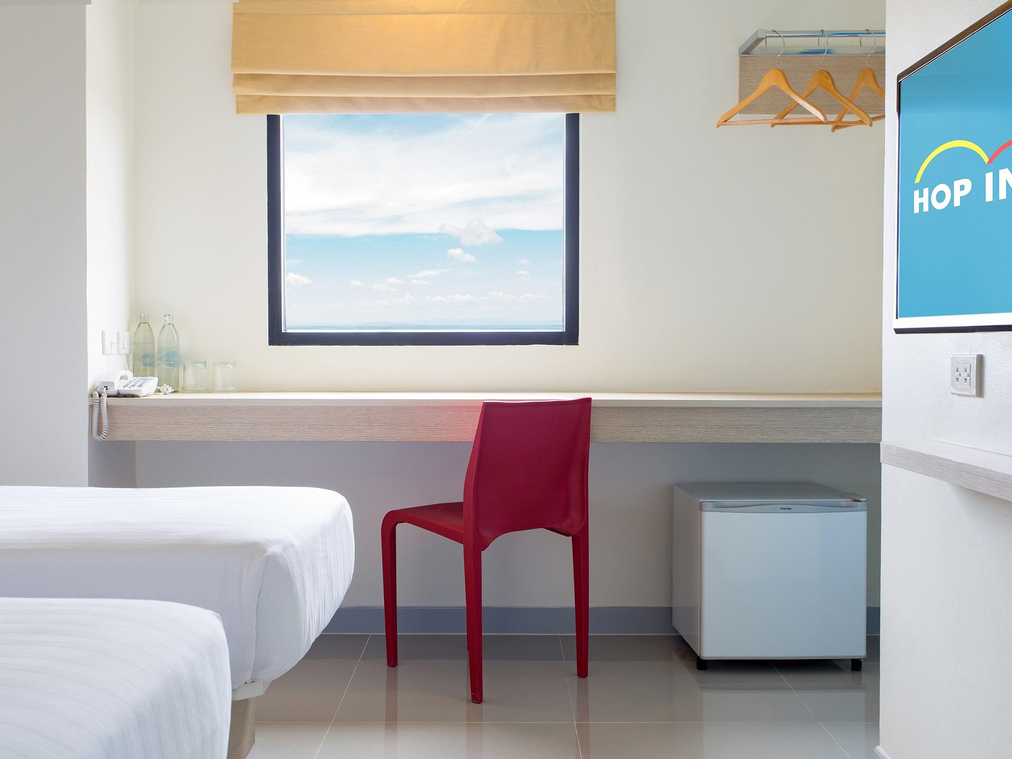6. TwinRoom at Hop Inn Hotel