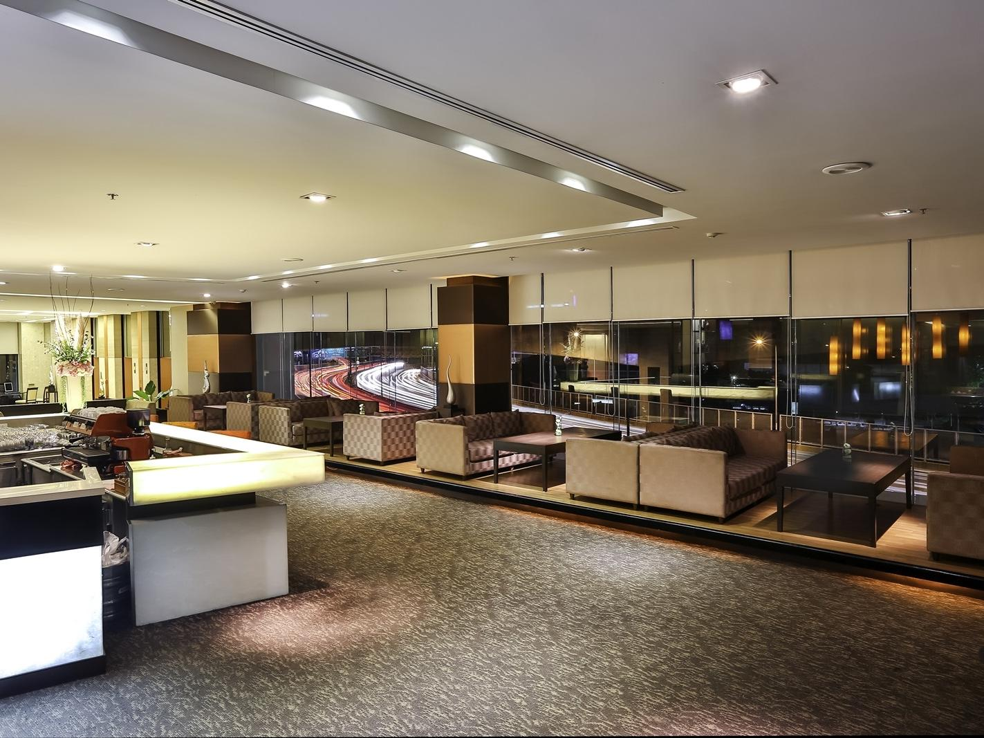 Lobby Lounge - Eastin Hotel