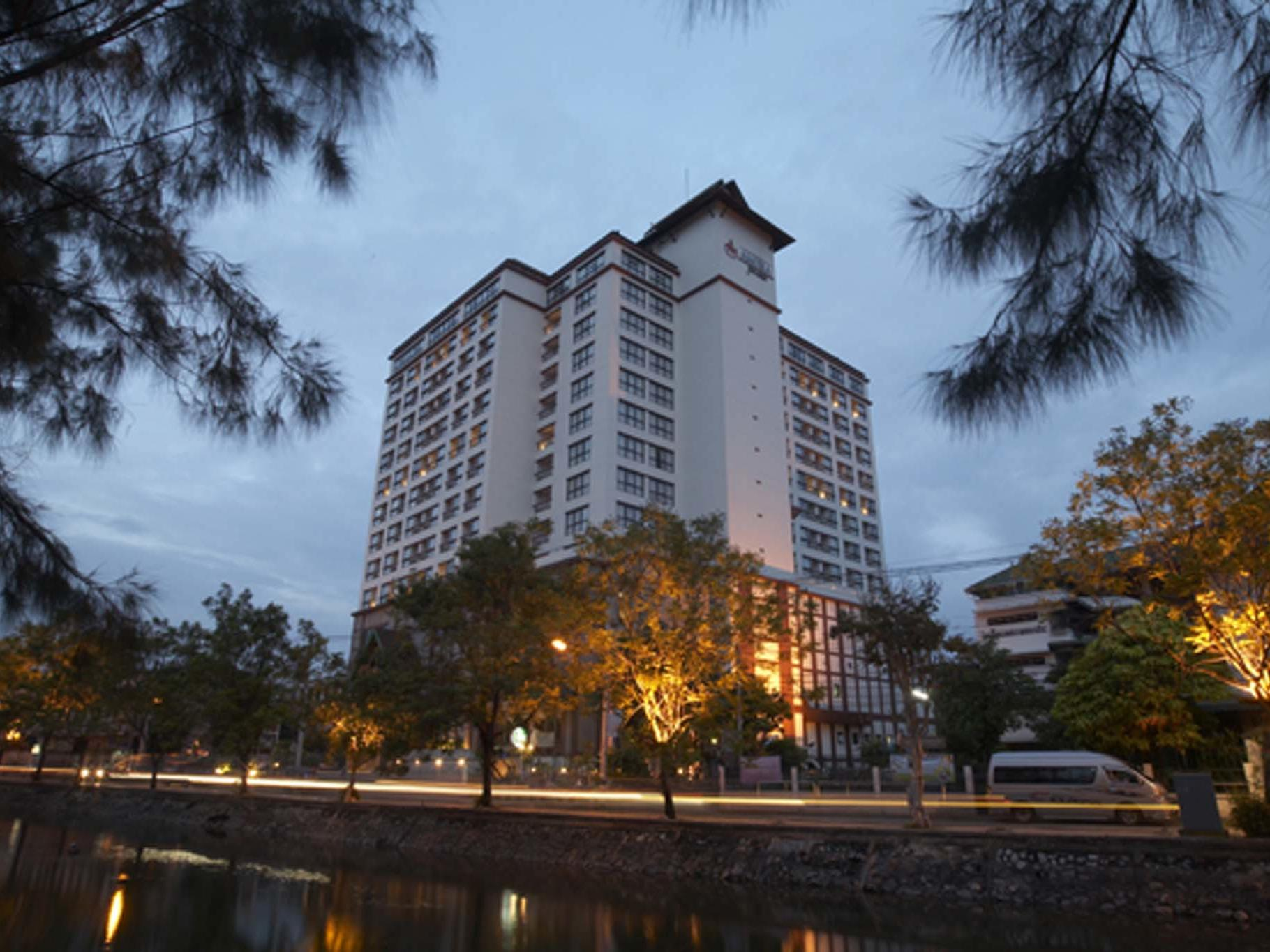 Amora Hotel Chiang Mai Facade