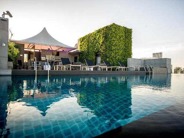 Amara Bangkok_Swimming Pool