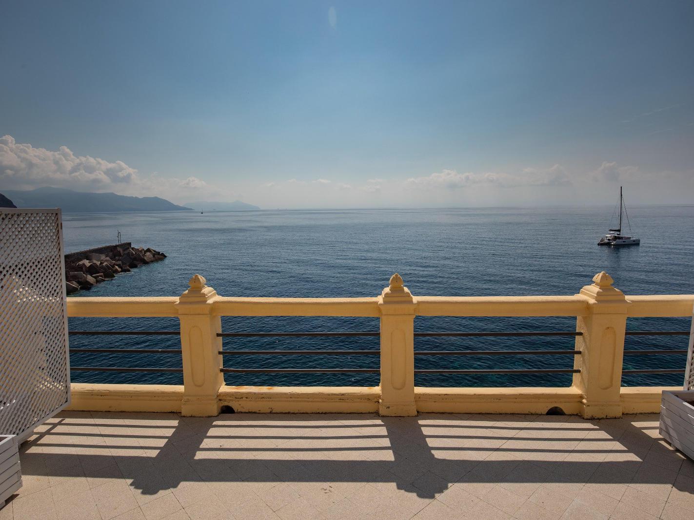 Ariana_Hotel_Isole_Eolie_UNA_Esperienze_DeluxeRoom_terrace