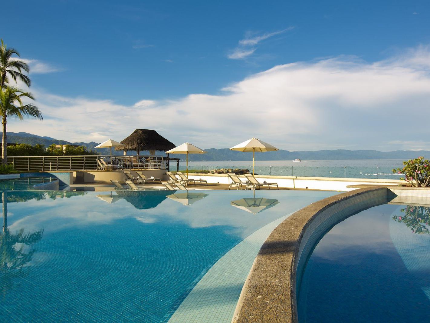 Pool overlooking the beach