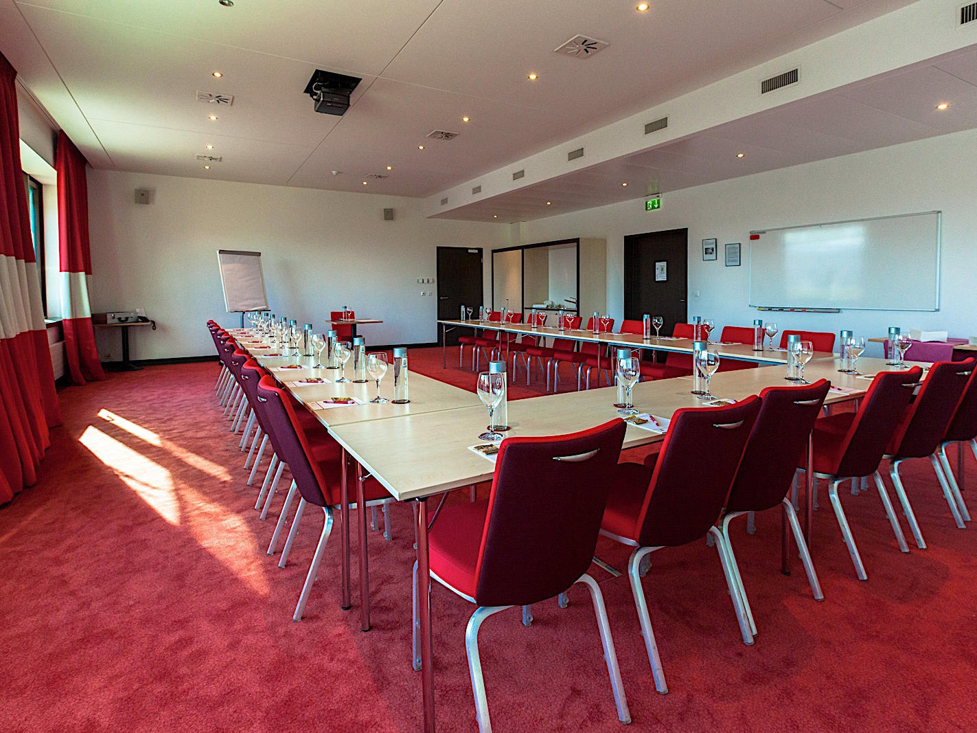 Event Room Table at Airport Hotel Basel