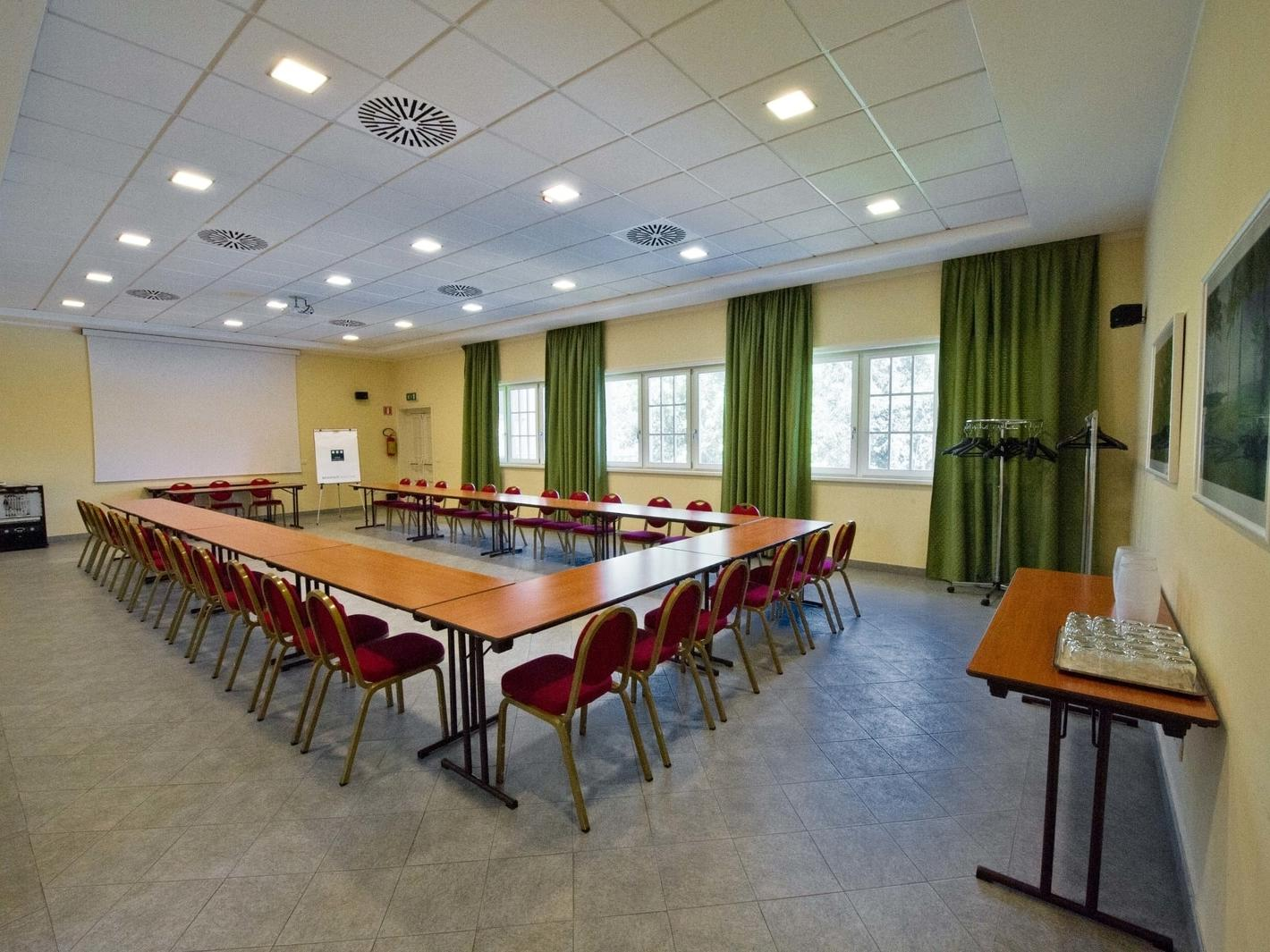 Green Meeting Room | Golf Hotel Cavaglia