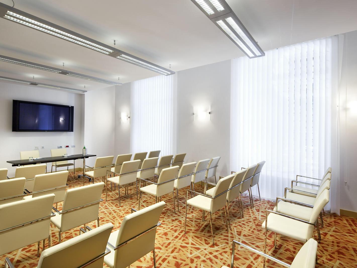 Napoletana Meeting Room