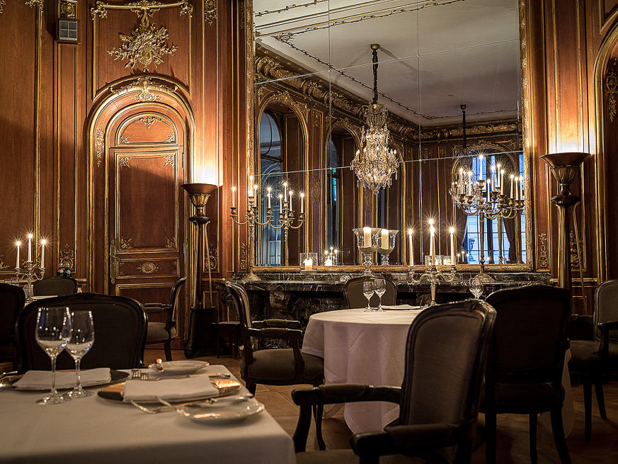 Restaurant at Schlosshotel Berlin by Patrick Hellmann