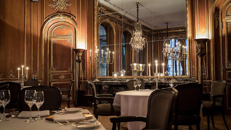 Restaurant at Schlosshotel Berlin by Patrick Hellmann
