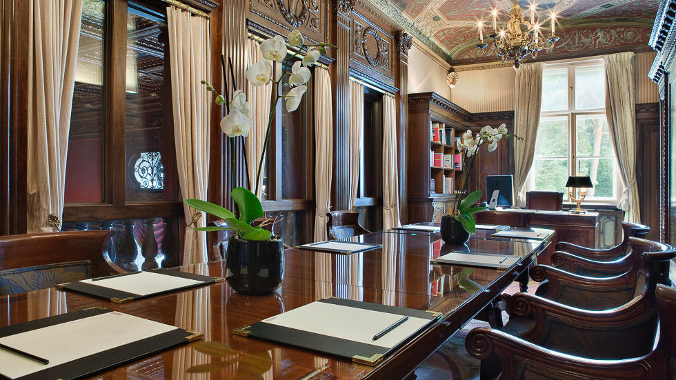 Library at Schlosshotel Berlin by Patrick Hellmann