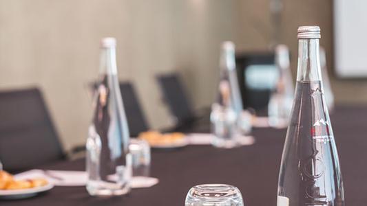 Neptuno meeting room - boardroom details