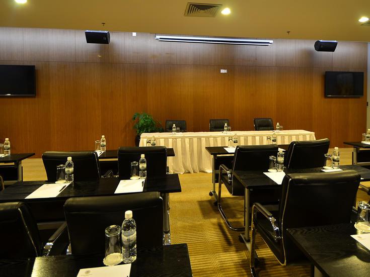 Meeting room at Fleuve Congo Hotel Hotel in Kinshasa