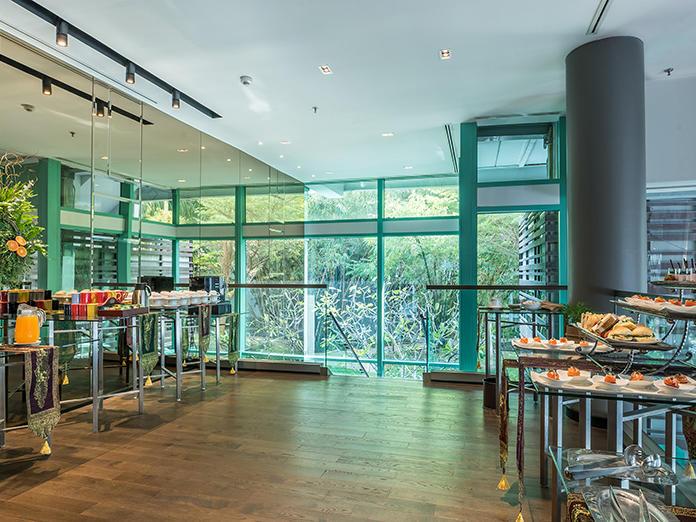 Buffet layout of Curve Room at Chatrium Hotel Riverside Bangkok
