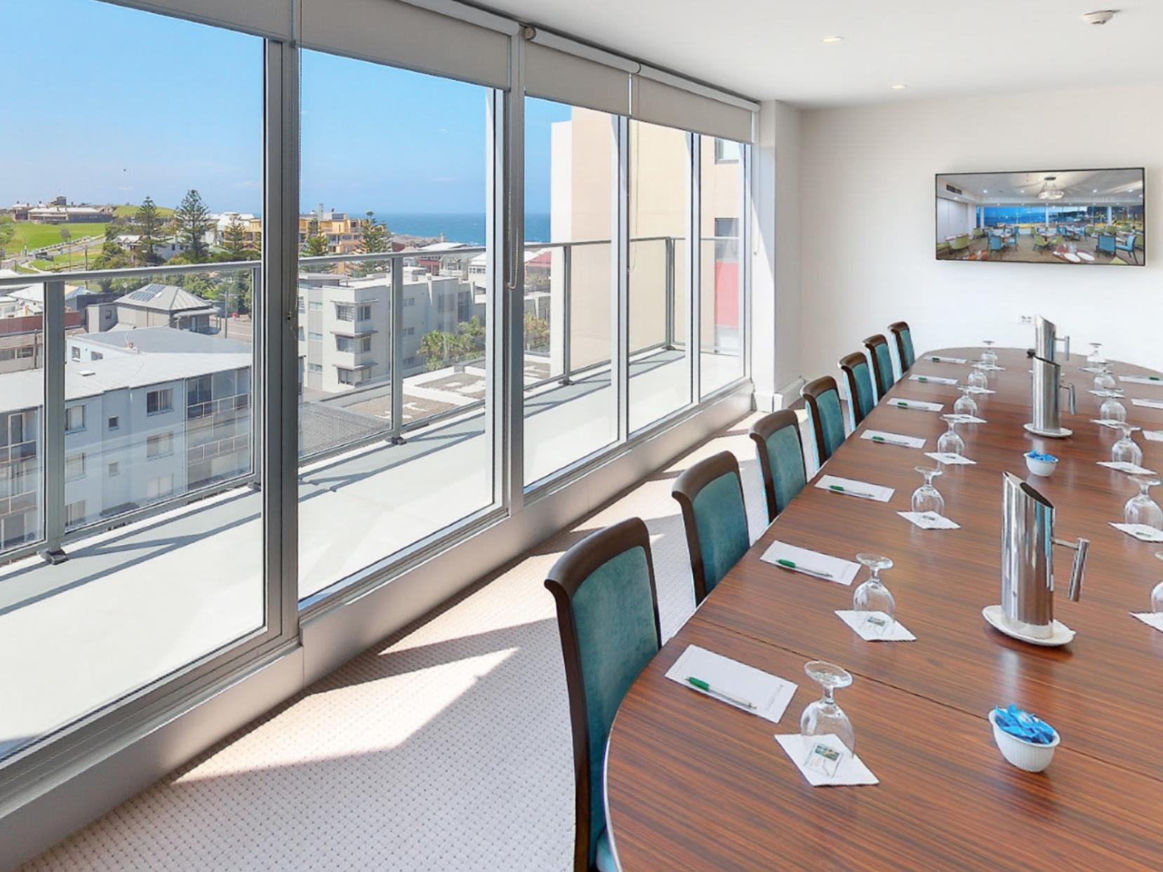 boardroom at Noah'S on the beach
