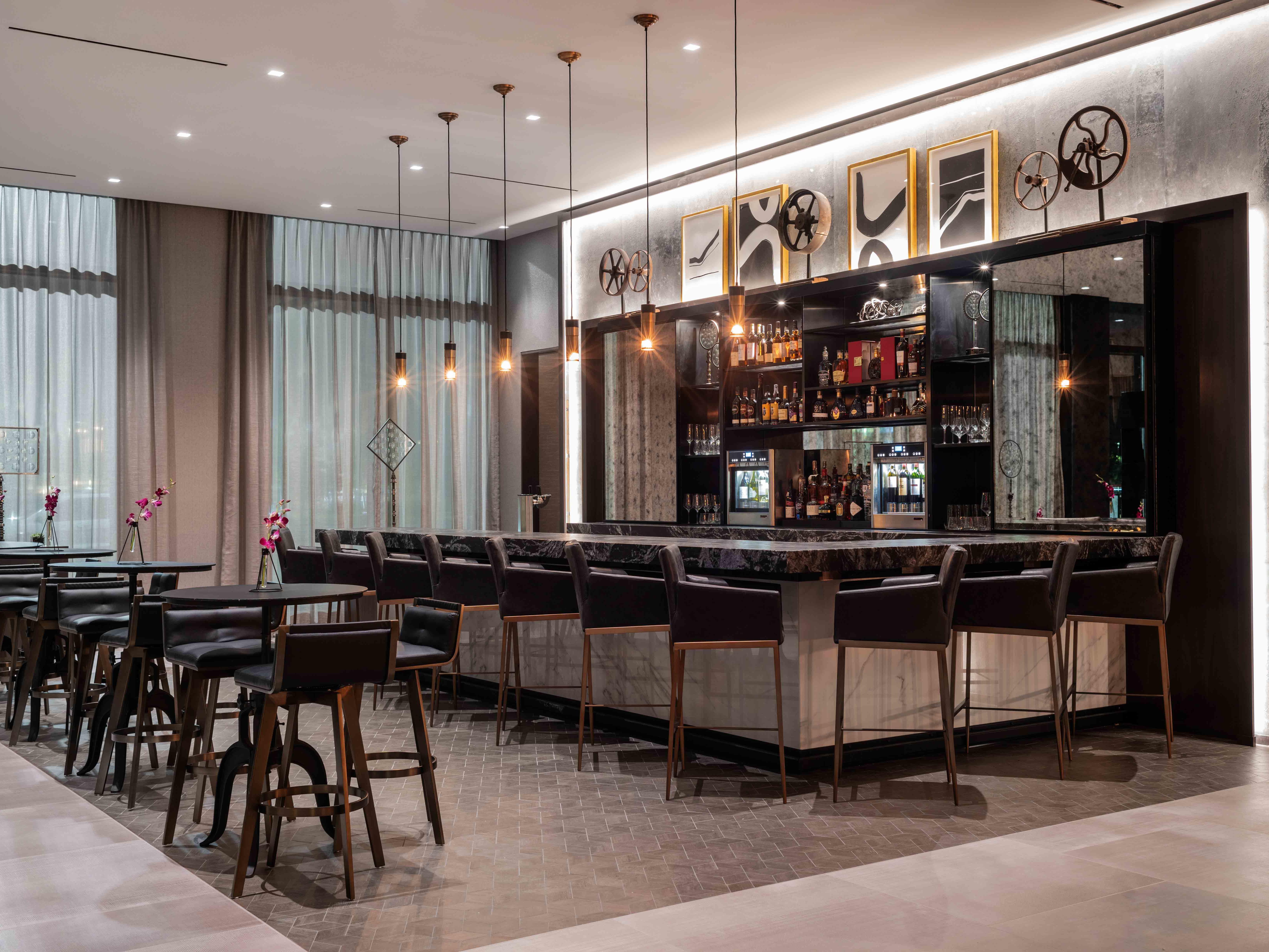 Reflections - Lobby Lounge & Bar