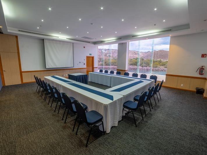 U shpae Meeting Room