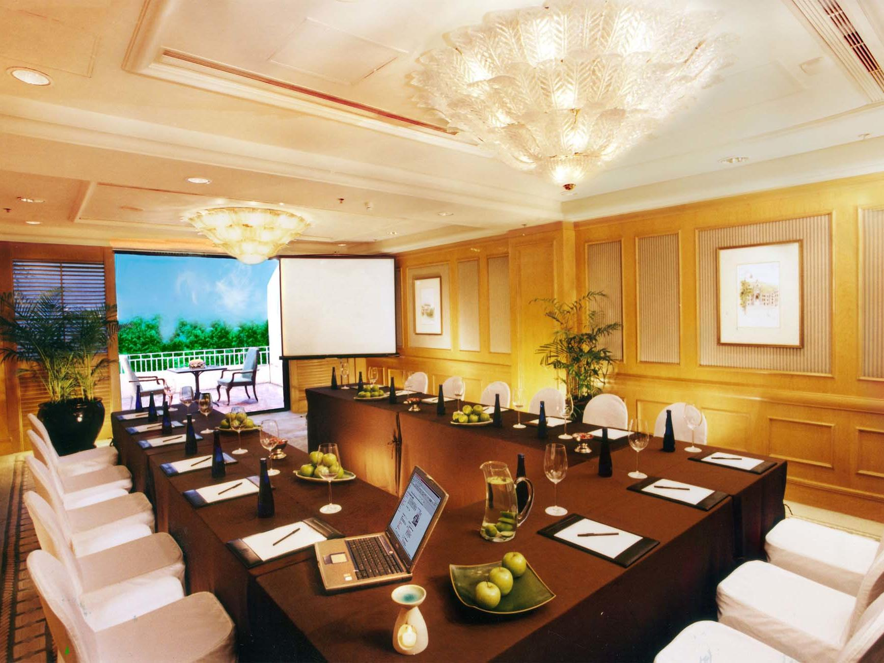 Meeting room with patio at Grand Coloane Resort