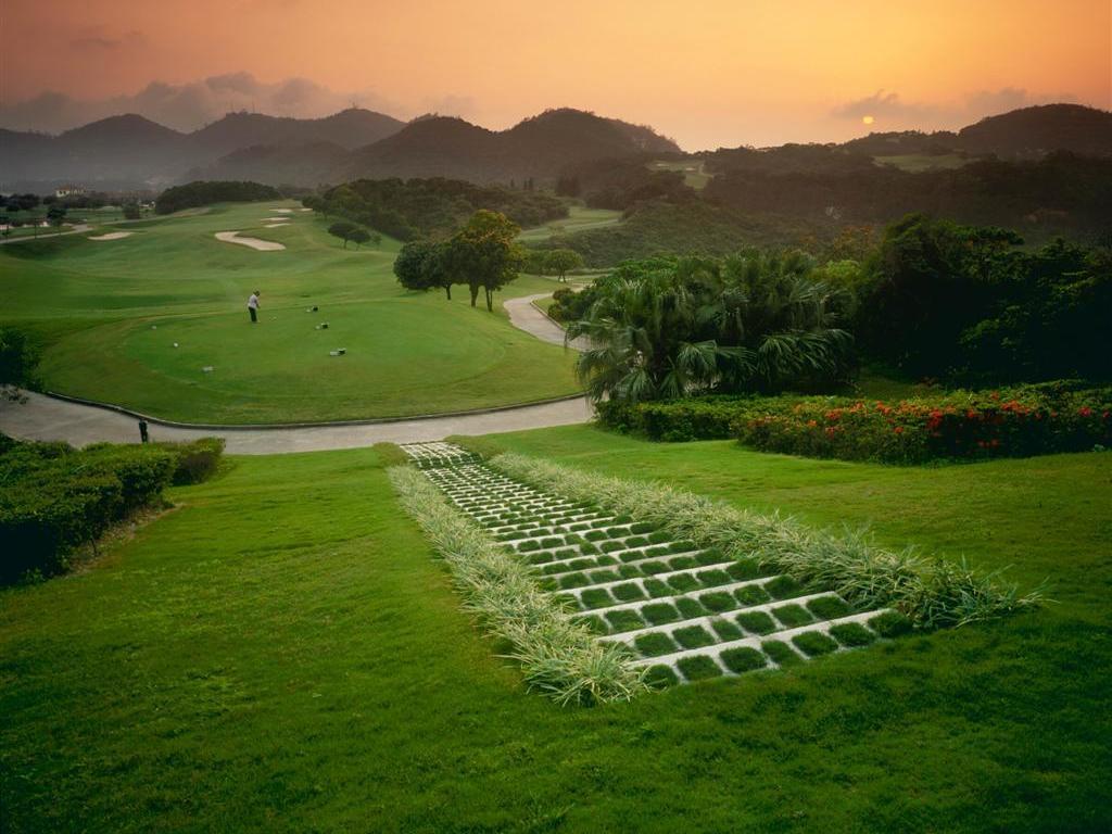 Garden at sunset at Grand Coloane Resort