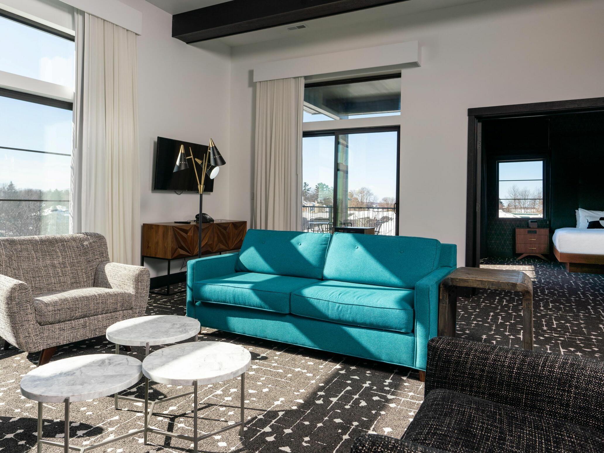 Earl Suite living room