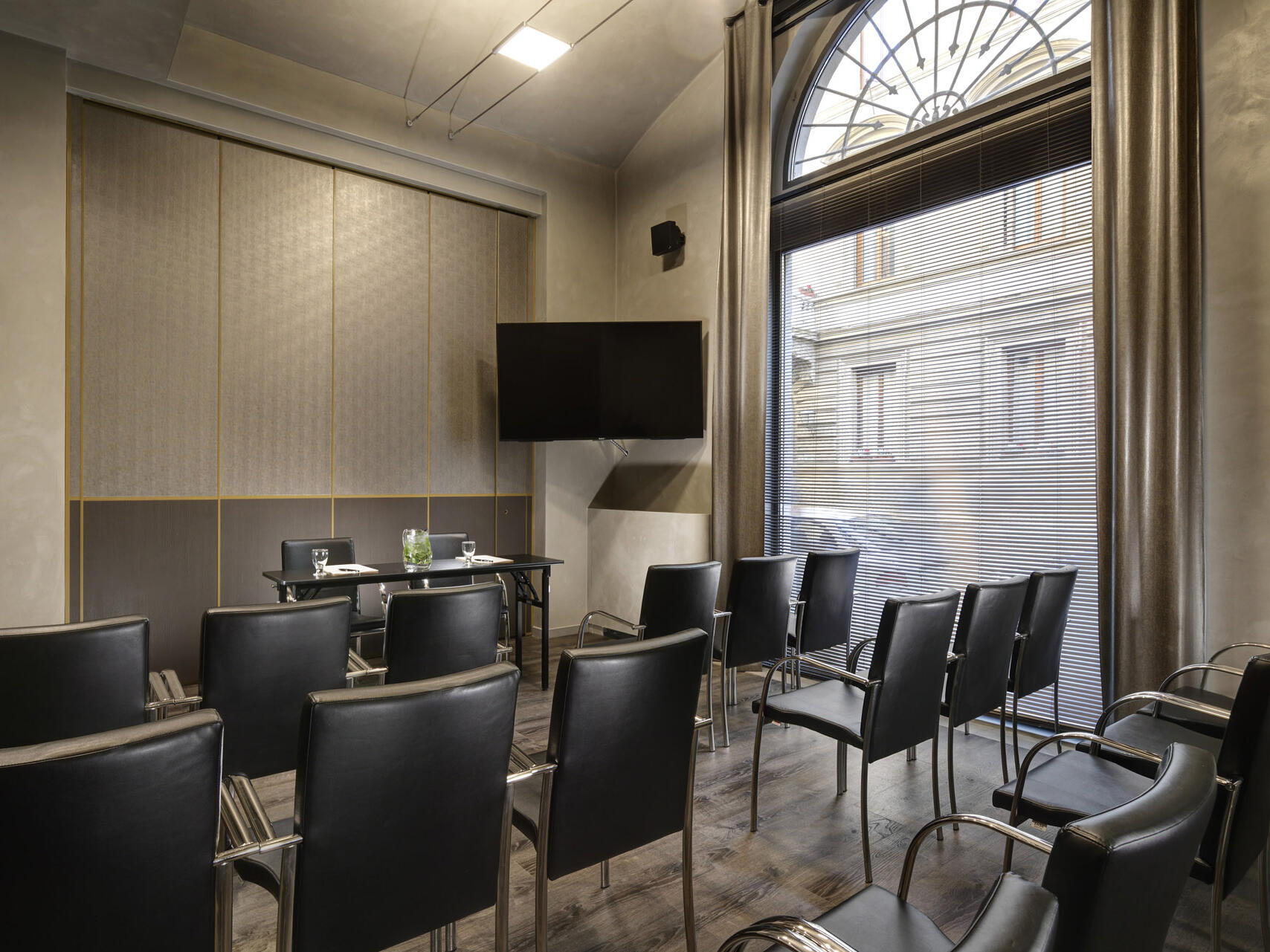 A Meeting room with city view window at Grand Hotel Minerva