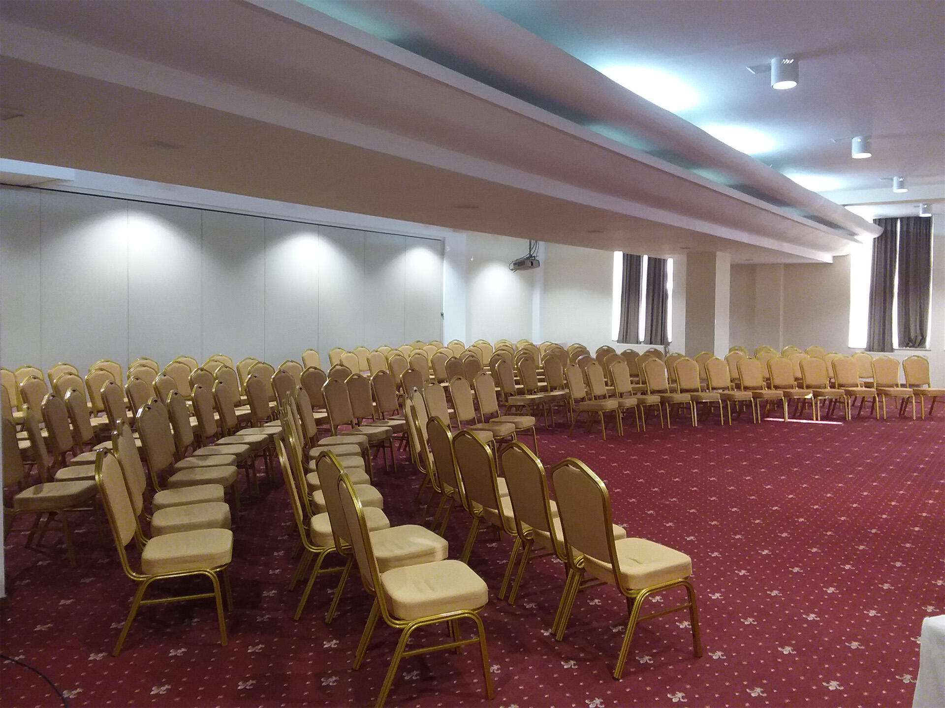 VIENA Room at IAKI Conference & Spa Hotel in Mamaia