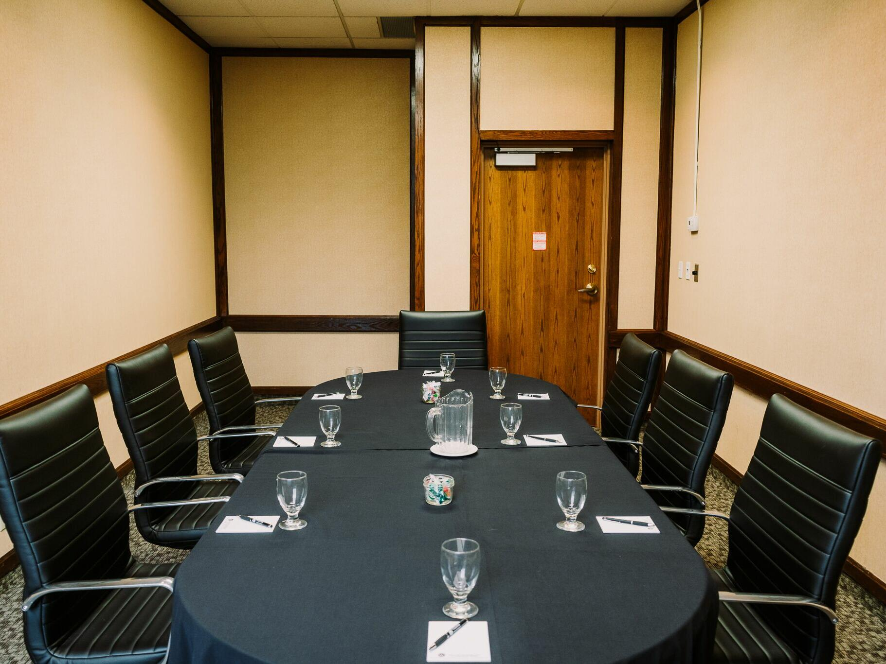 Meeting room for 8 at The Inn of Waterloo