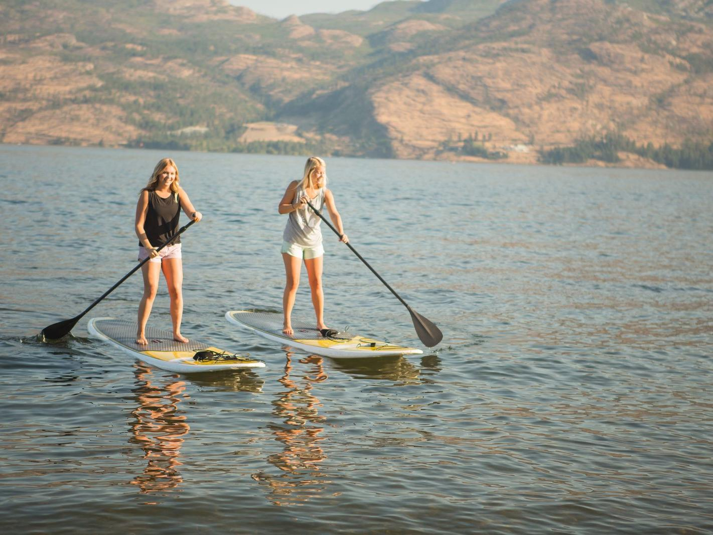 stand up paddlebaording lakesurf okanagan