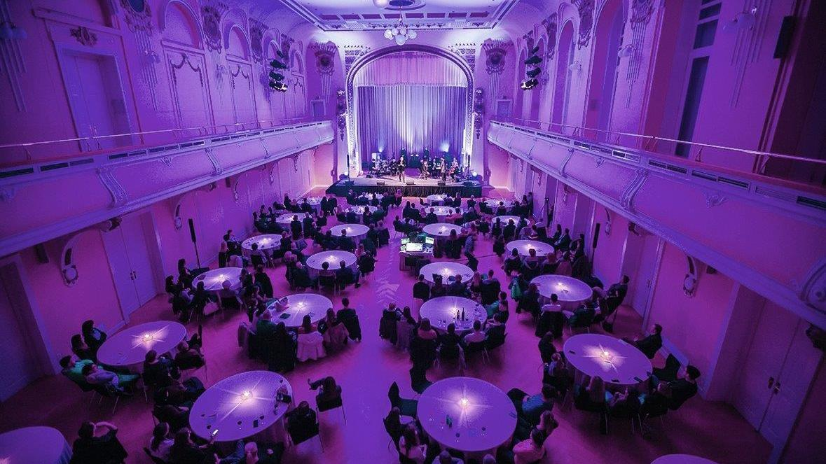 The London Royal Philharmonic Orchestra performed in Grand Hotel Union