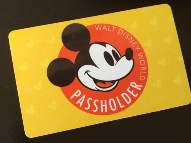 Disney Annual Passholder Card
