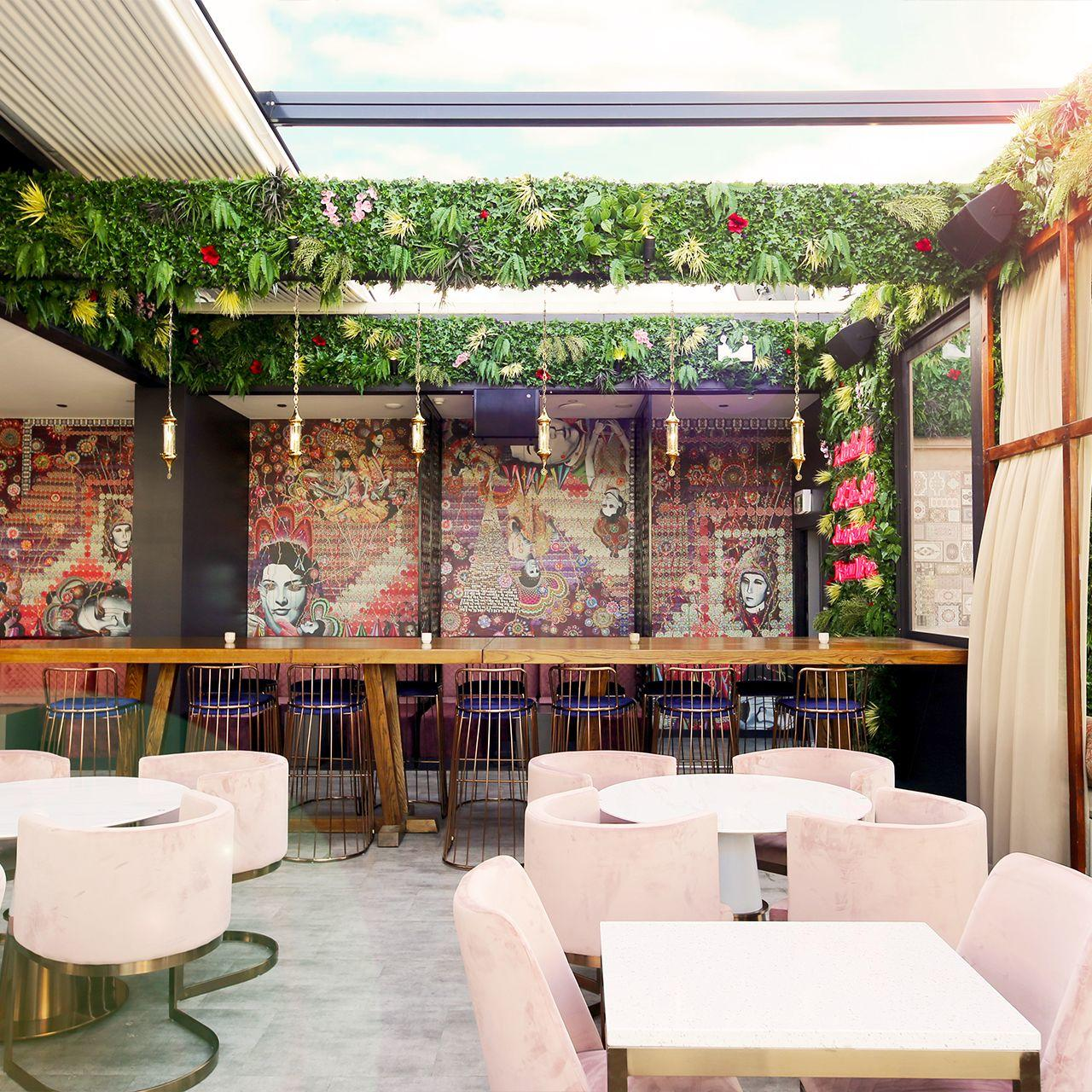 Dirty Sultan retractable room, providing indoor and outdoor dining