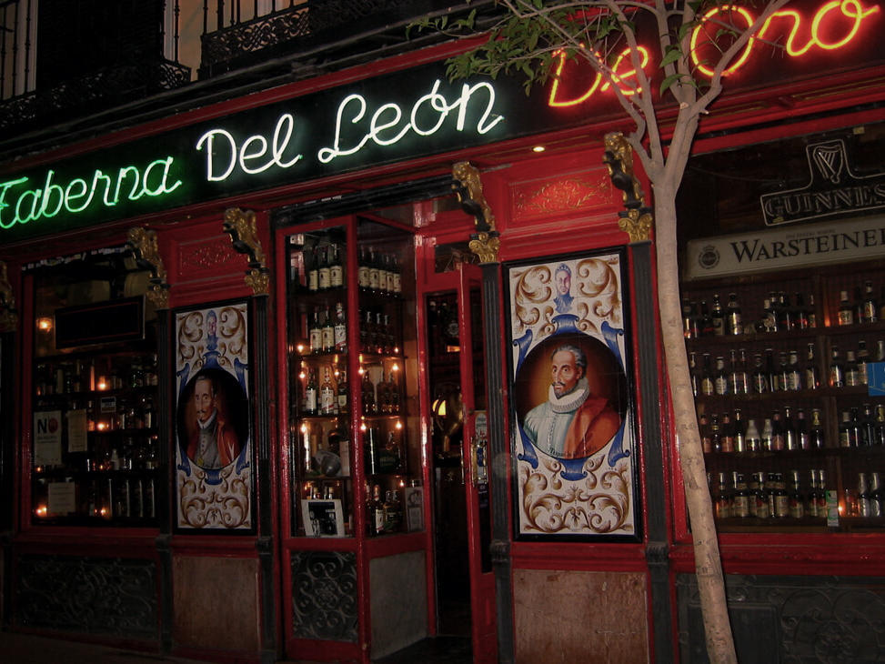 Vermouth in the barrio de las letras ©2020 Manuel-M