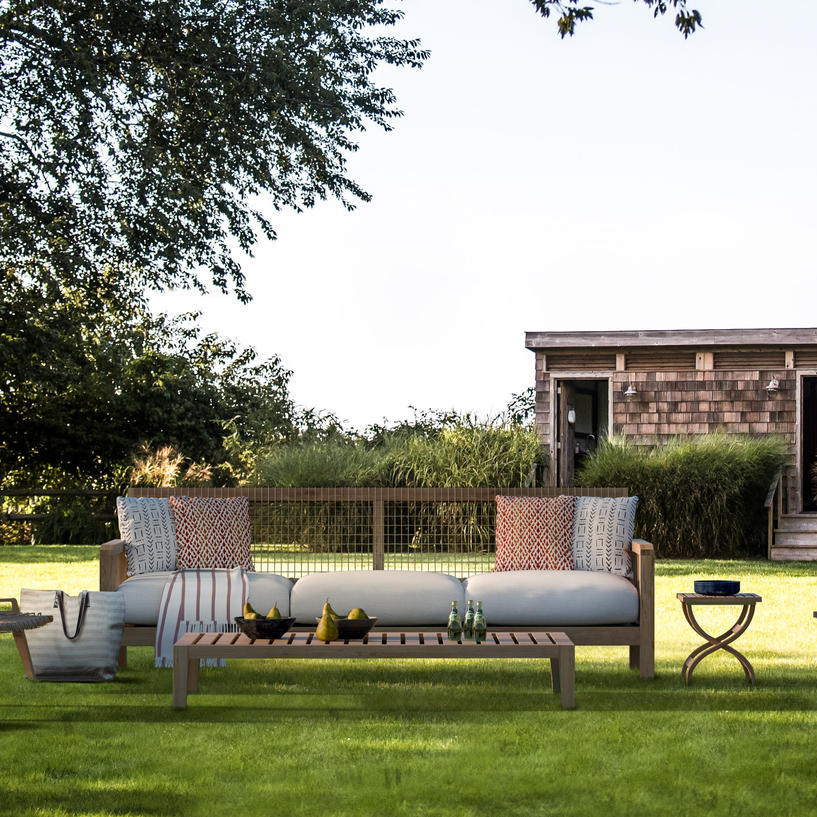 Outdoor Seating Space, The Roundtree, Amagansett, Hotel in Hamptons