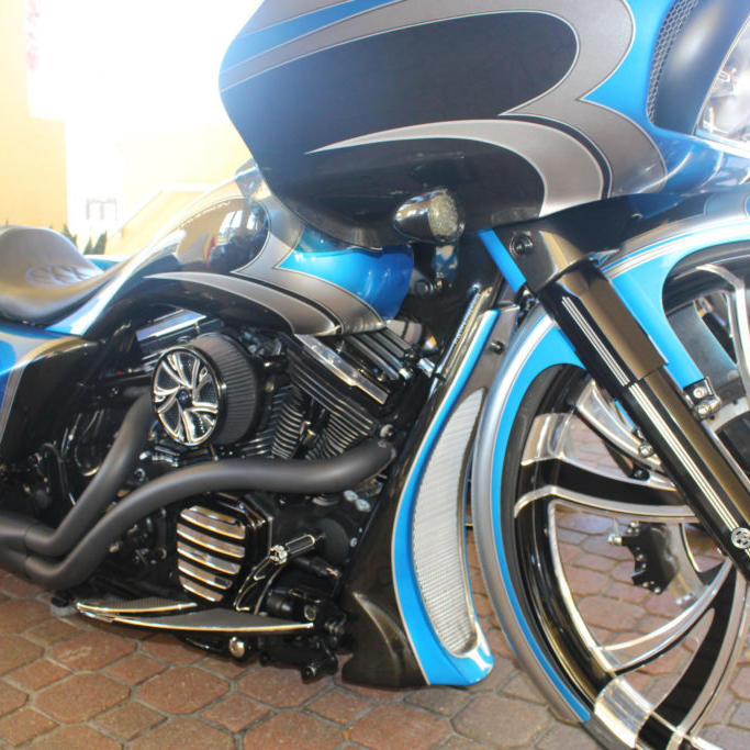 blue and black motorcycle