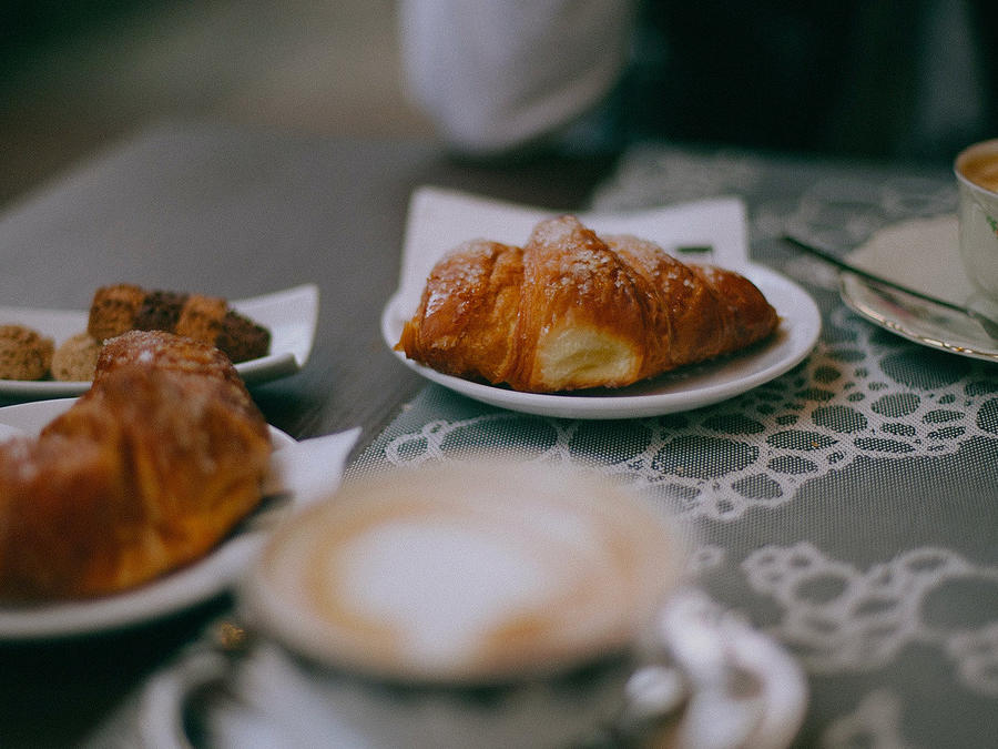 Waking Up in Milan: The Best Bars for Breakfast