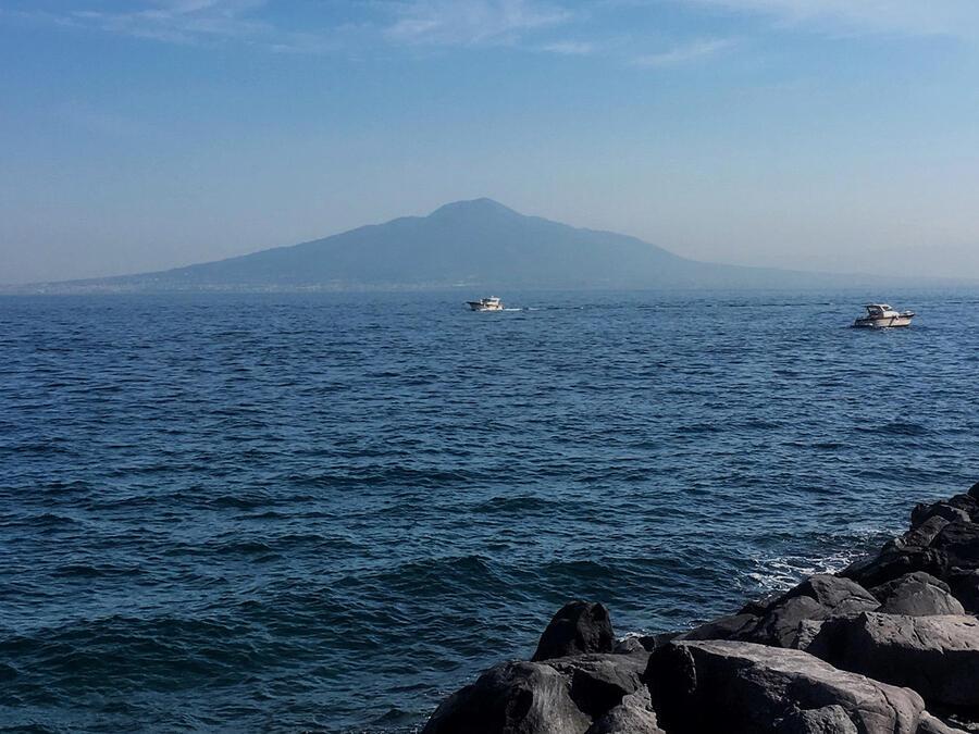 Filmic Naples: A Novel Tour around Town