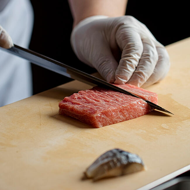 Chef Mouri cutting tuna sashimi