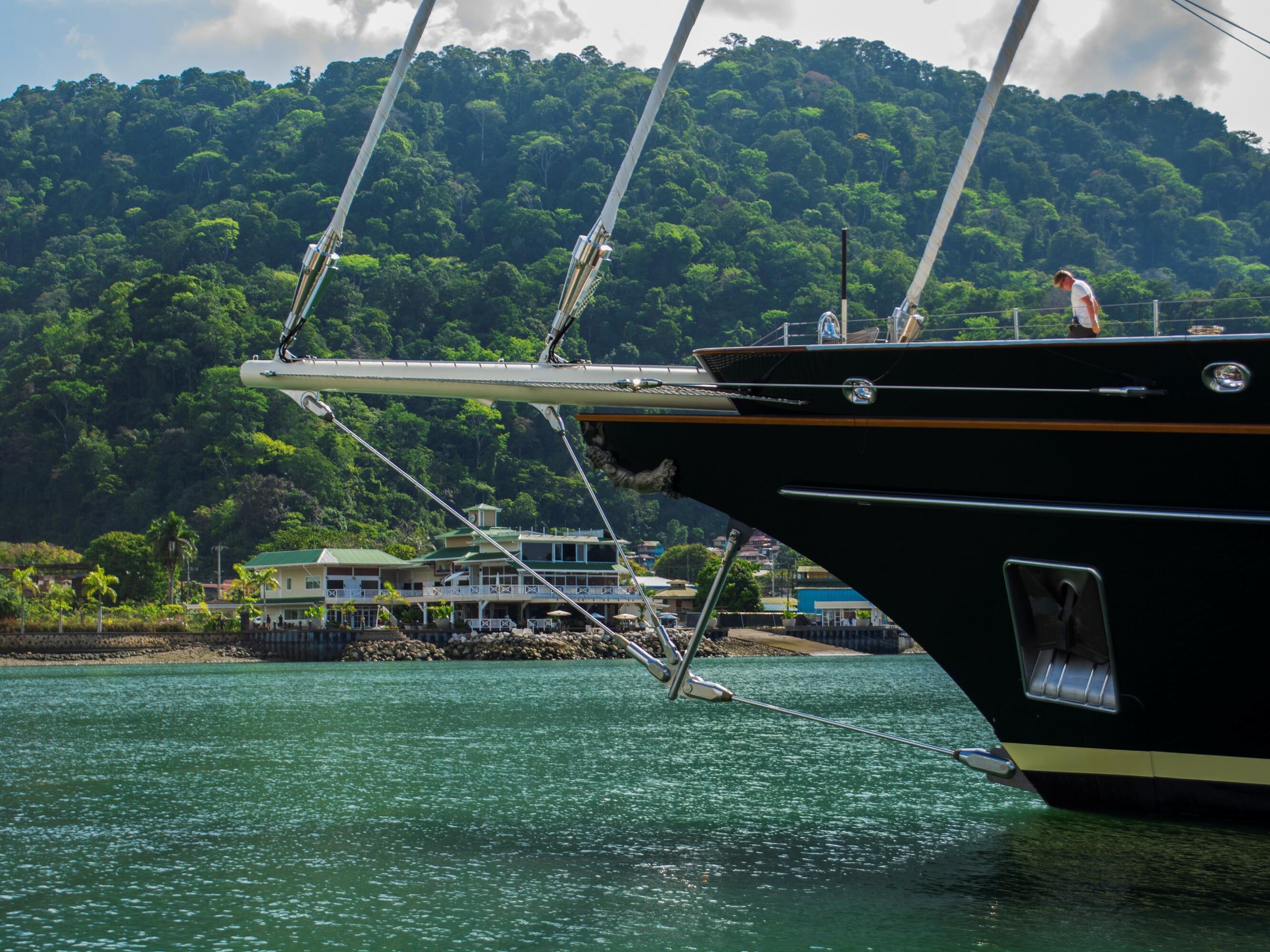 Pirate Ship sails on Amaka Ocean near Marina Bahia Golfito