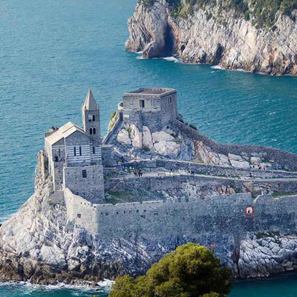 Fortress Surrounded by sea - Grand Hotel Portovenere
