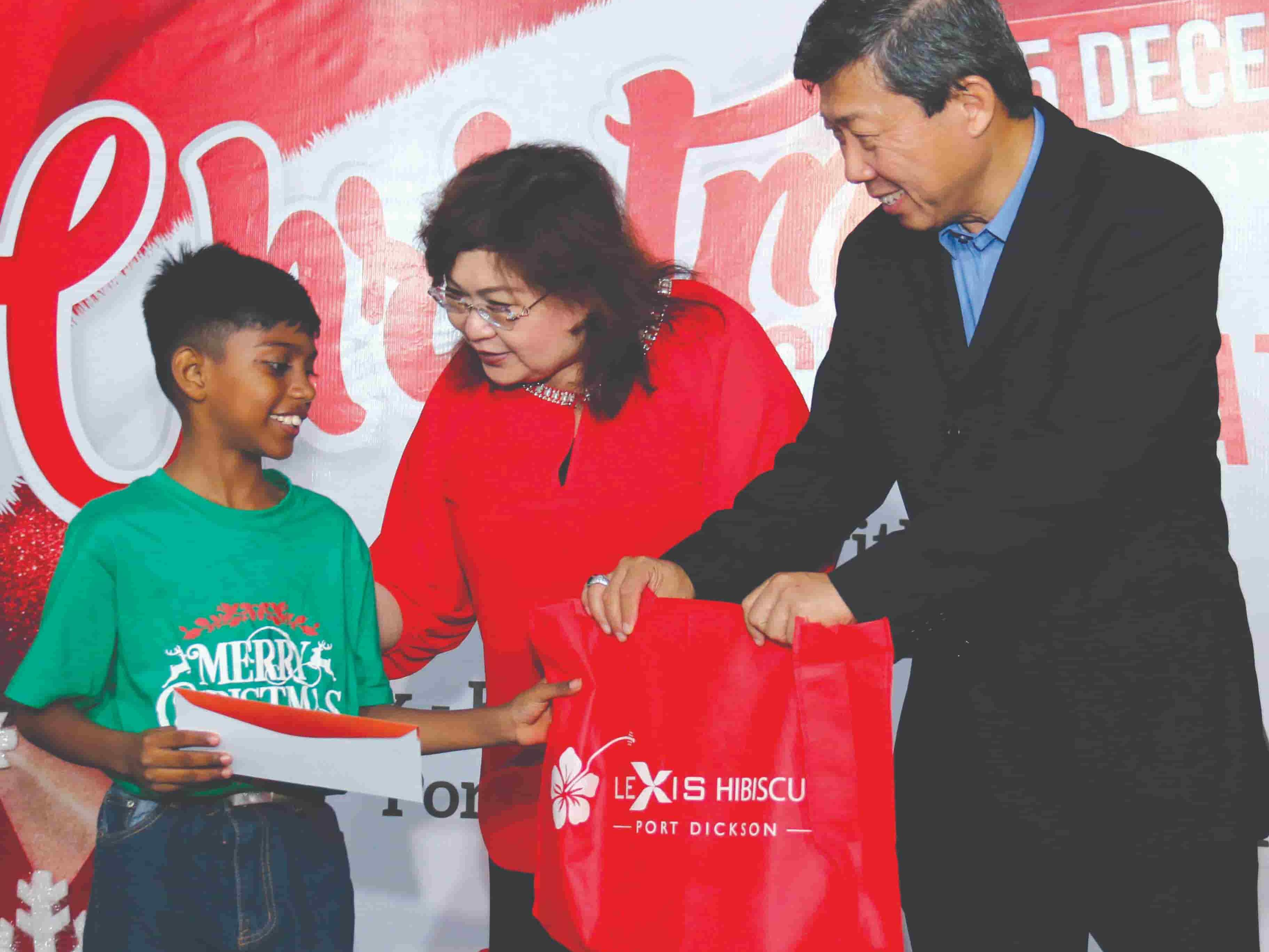 News 2019 - Christmas Blessings With Underprivileged Children | Lexis® Hotel Group