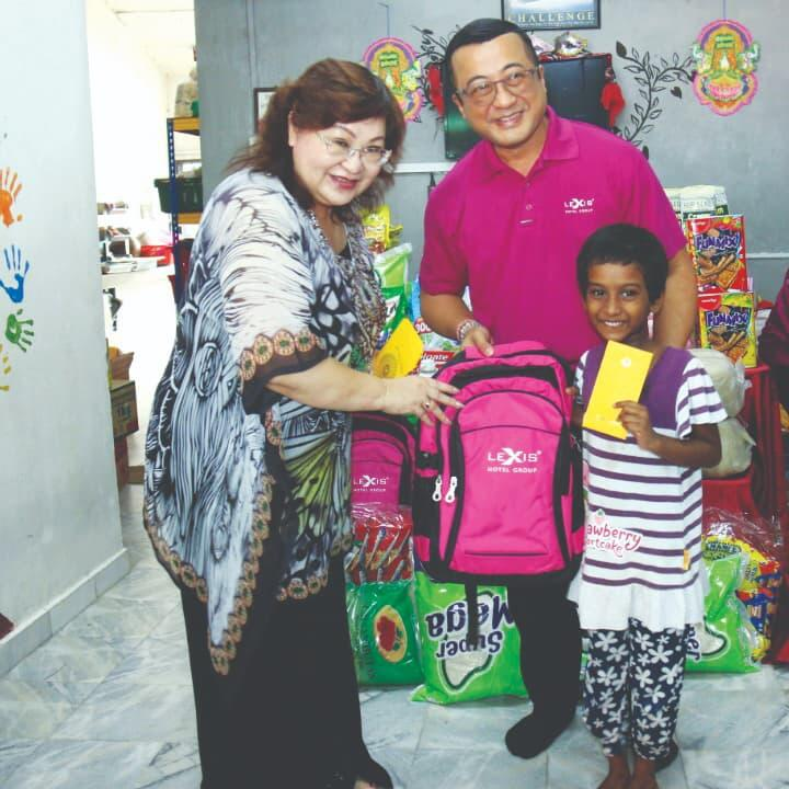 News 2019 - Giving 'Love Packages' to Children| Lexis® Hotel Group