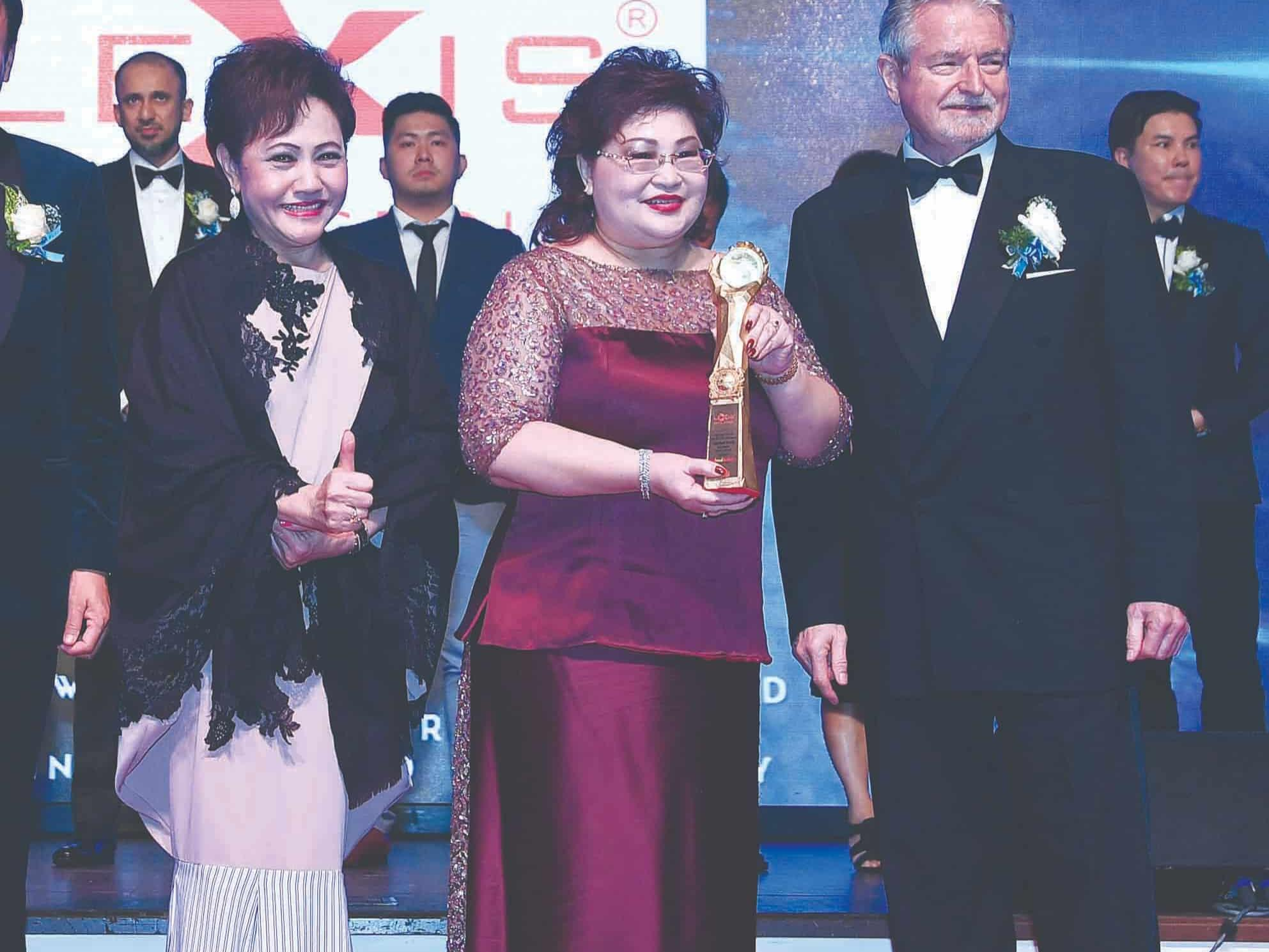 News 2017 - Brandlaureate SMEs Best Brands Awards | Lexis® Hotel Group