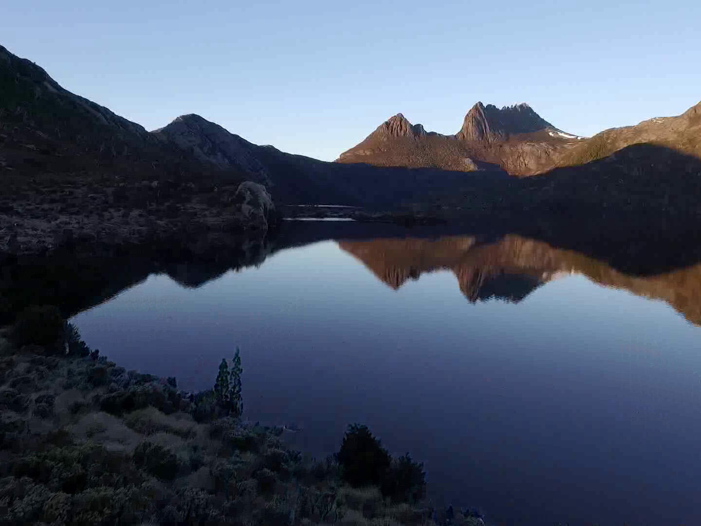 Dove Lake and the mountains near Cradle Mountain Hotel